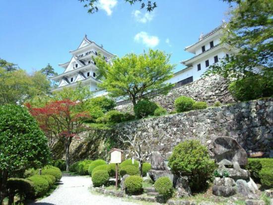 Gujo Hachiman Castle: ベストショットの位置ご指定されてます