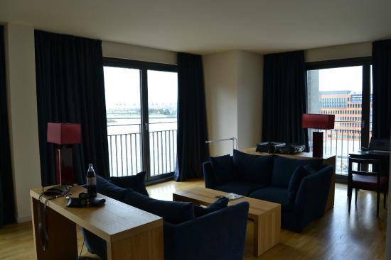 Wohnzimmer Picture Of Clipper Elb Lodge Hamburg Tripadvisor