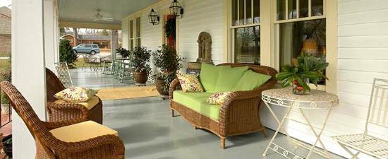 458 West: Porch