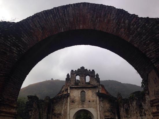 Ruinas de Ujarras : Instagram : veveordie