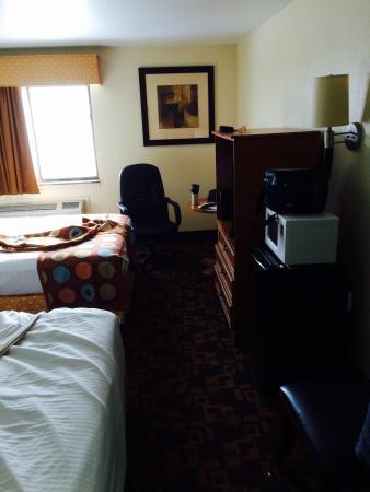 Super 8 Nashville Airport Music City Area: Room 307