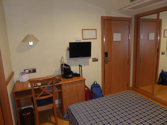 Hotel II Castillas: Camera 110