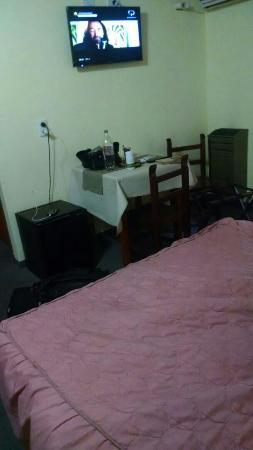 Realico, Argentina: Habitación matrimonial y una cama