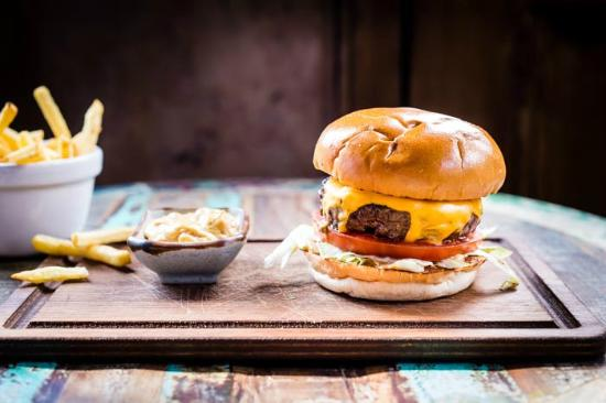 Cat & Mutton: Delicious burgers & pub grub- £5 lunches Monday-Friday!
