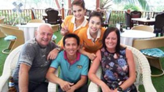 Blue Ocean Resort: Bar Staff