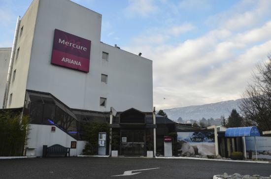 Mercure Aix Les Bains Domaine de Marlioz : facade avant
