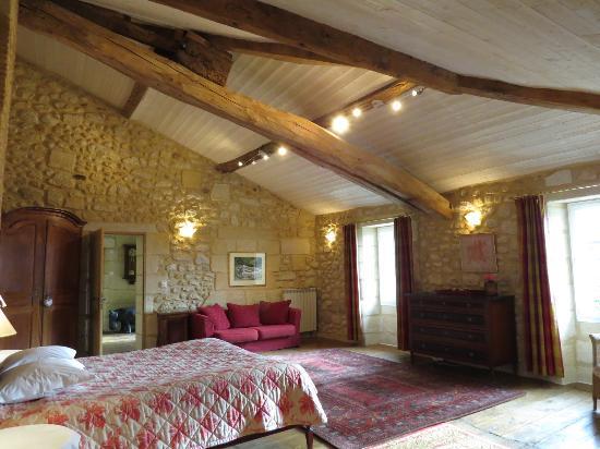 Chambres d'hotes Saint Emilion Bordeaux: Beau Sejour: Suite Rouge 48m²
