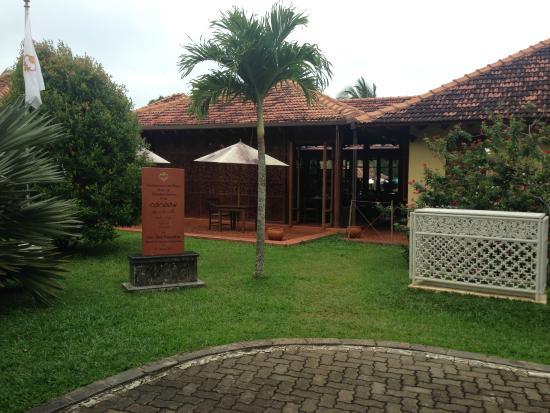 Cocoon Resort & Villas: Speisesaal