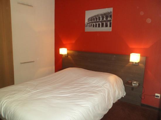 Adagio Access Nimes : chambre