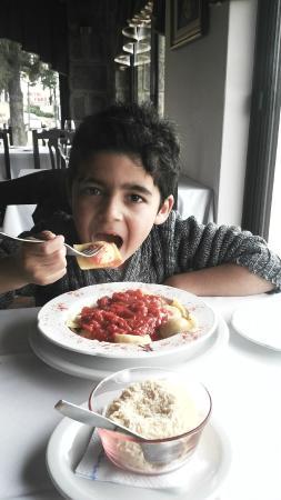 Ambrogio Restaurante : Pastas para el niño de la familia (vegetariano)