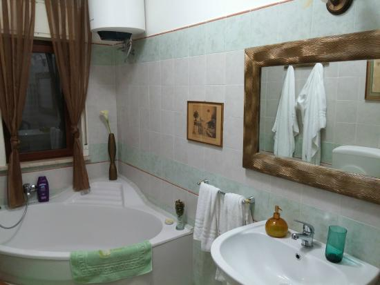 Vasca Da Bagno Unico : Unico bagno con la vasca camera delle arrance foto di la casa
