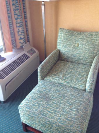 Holiday Inn Express Hotel & Suites Virginia Beach Oceanfront: Chair
