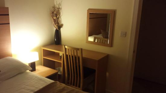 Crompton Court: Bedroom 1 - Desk