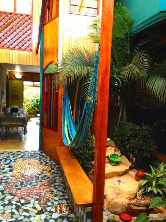 Hotel Kaps Place : Once of the many, peaceful communal areas.