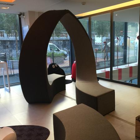 Novotel Monte Carlo : chill area next to reception