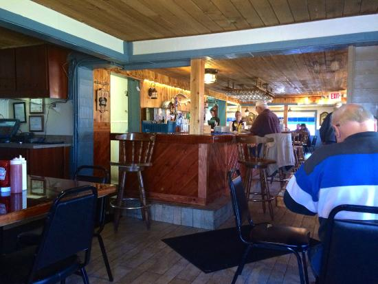 Peck's Old Port Cove: Dining area