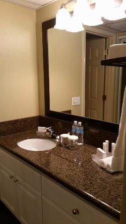 Homewood Suites by Hilton Vancouver-Portland : dressing area