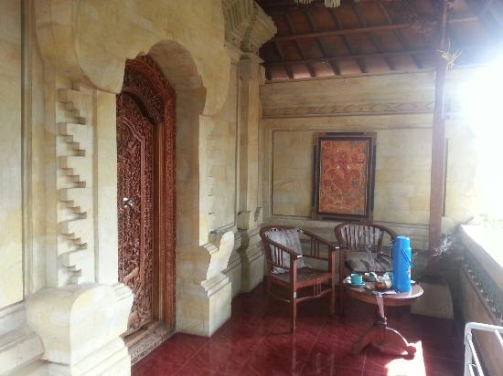 Tungeh Inn : Our private terrace