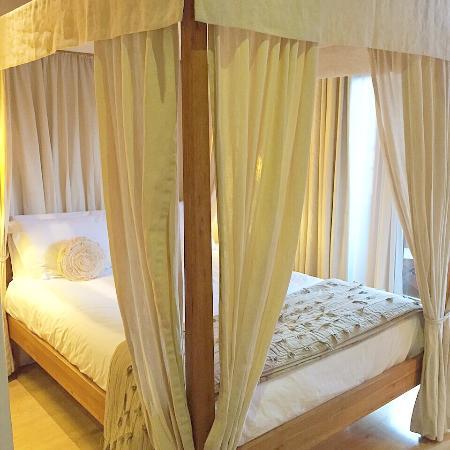 Velvet Hotel: Velvet