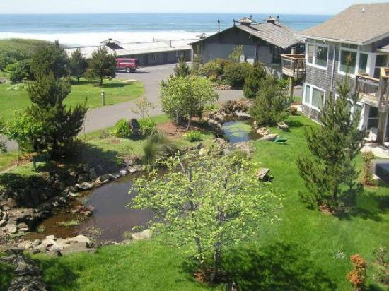 The Yachats Inn: 4.4 acres of ocean front property