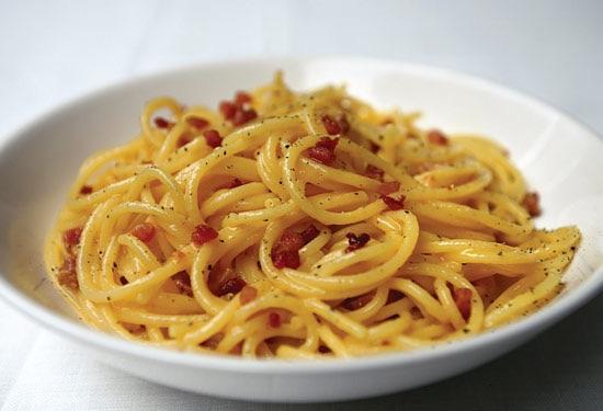 Amici Miei Restaurant & Pizzeria: Spaghetti alla carbonara