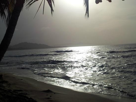 Agapi: Atardecer en Playa Manzanillo