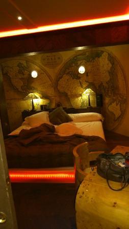 Bubble Lounge Hotel: Lit