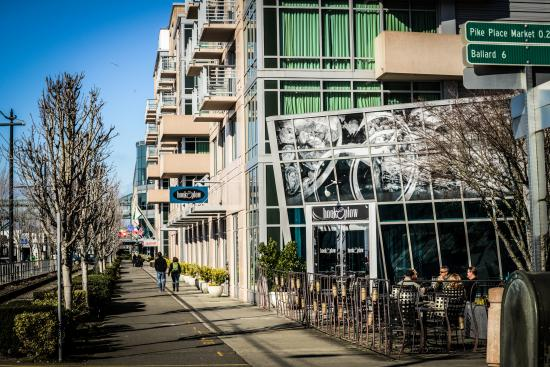 Where to hook up in seattle