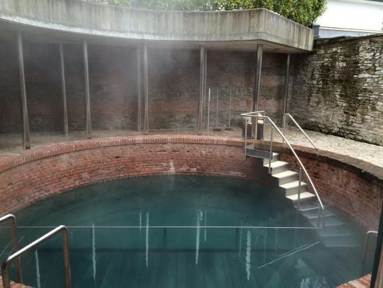 piscina all esterno foto di centro benessere spa il lago
