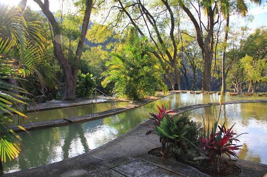 Agua Blanca: pools