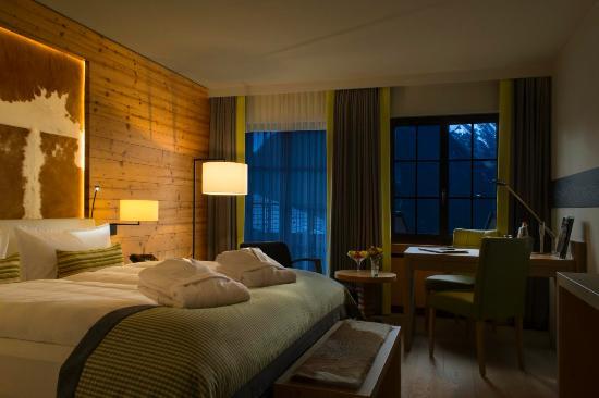 Steigenberger Alpenhotel and Spa: Deluxe Plus Zimmer