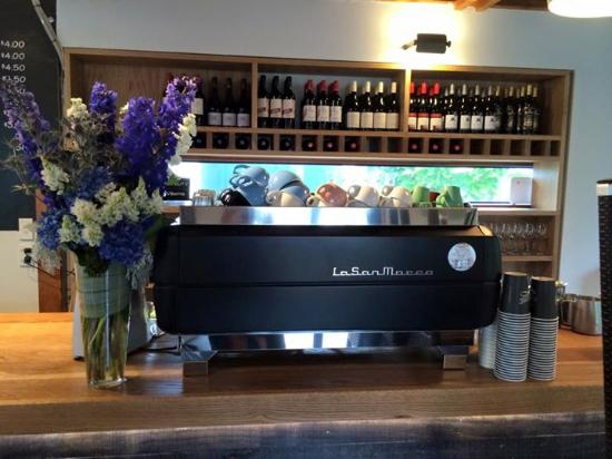 Harvest Blue Cafe: Fabulous coffee and a wine list of beautie