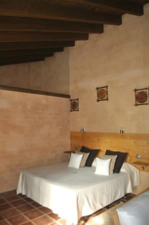 Molinos de Fuenteheridos: Our large deluxe bedroom.