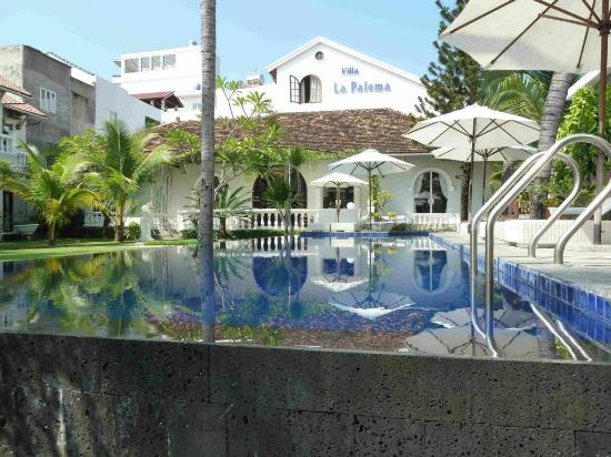 La Paloma Hotel  |  1 o hon chong, Nha Trang, Vietnam
