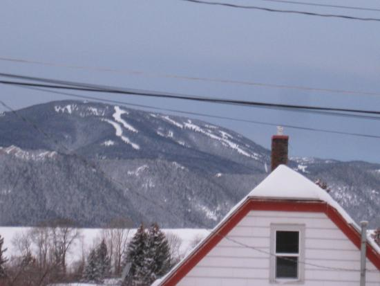 Yodeler Motel: View from room of Red Lodge Ski Resort