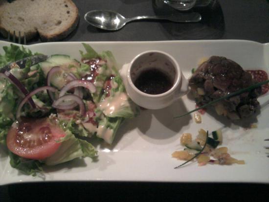 Le perigord Gourmand : tartare de canard et ses légumes croquants. DIVIN !!!!!