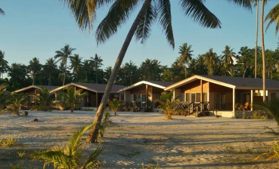 Matautu, Samoa: Absolute Beachfront Villas