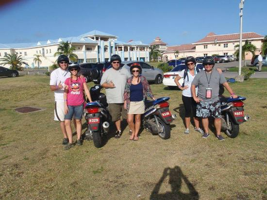 Pereira - Day Tours : Scooters in St. Kitts