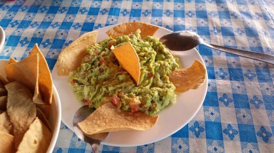 LA Bahia del Caribe: Guac - fresh prepared, the island way