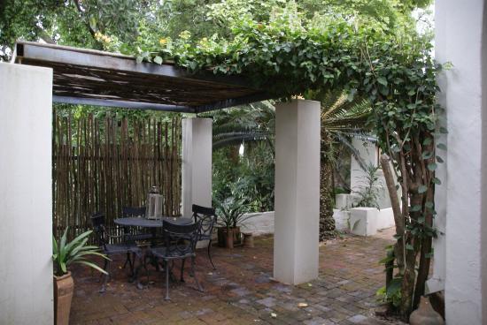 Kings Walden Garden Manor: Private terras