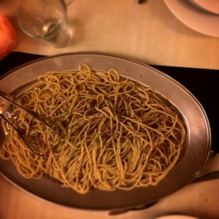 Straluna : pasta increiblemente buena con pasta de cozze