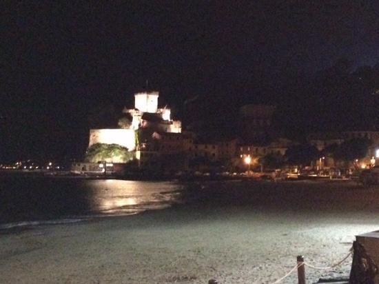 Straluna : castello desan terenzo