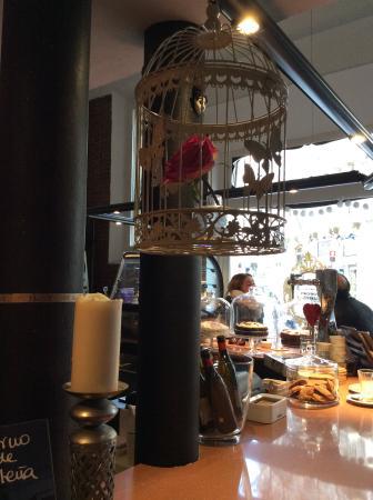 Charlot Cafe