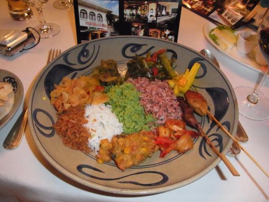 Oasis Restaurant : こんなお料理です。