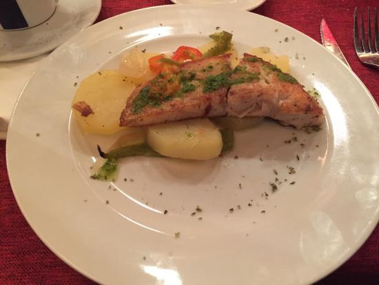 Café Tomate: Рыба на ланч