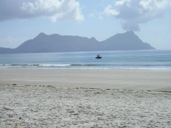 Ruakaka Beach : Whangarei Head from the surf beach