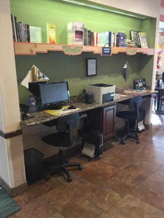 Days Inn & Suites Airport Albuquerque: Business area