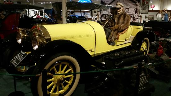 The Car and Carriage Caravan Museum : 1