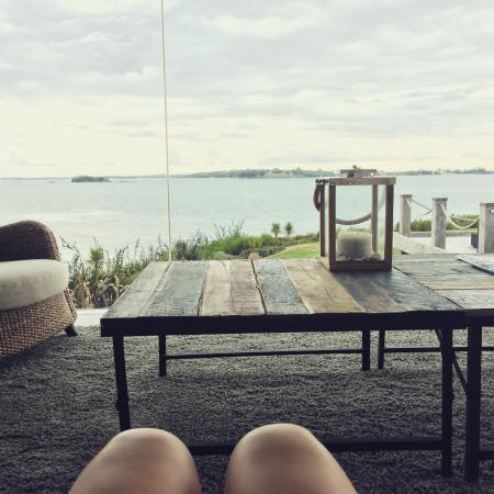 Hei Matau Lodge: Lookout from the main lounge