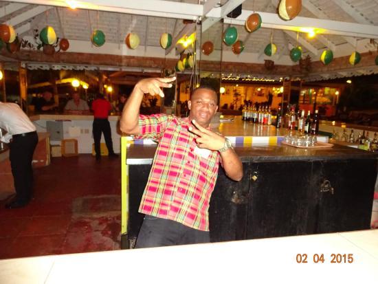 Club Ambiance : Bartender Phillip